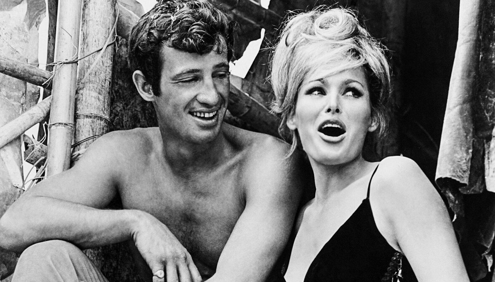 Belmondo ja Andress tutvusid filmi-võtetel, 1965.
