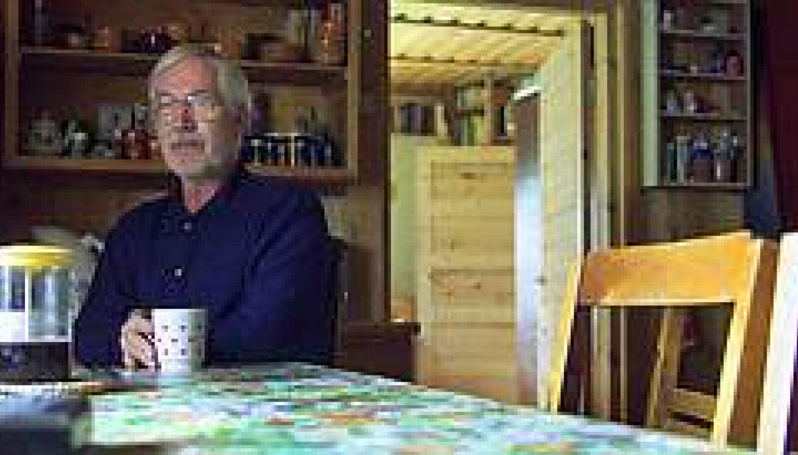 KODUNE TUNNE: Kaplinski esimesel pärisromaanil on tugev autobiograafiline alus. PRIIT SIMSON / EPL