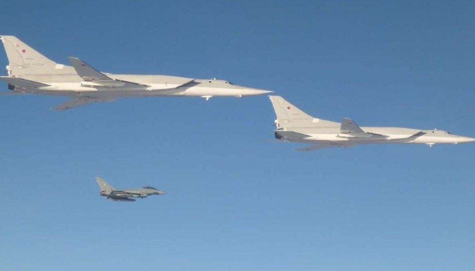 Vene pommitajad Tu-22M ja Saksa Eurofighter