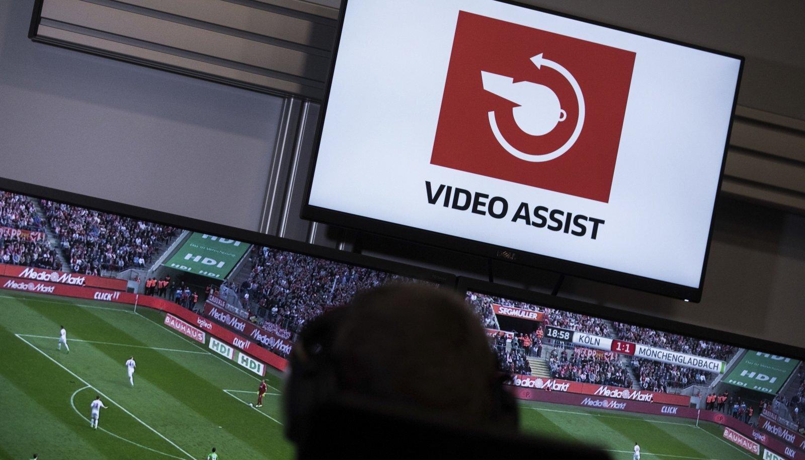 Selline kiri ilmub Bundesligas ekraanile, kui kohtunikud videot vaatavad.