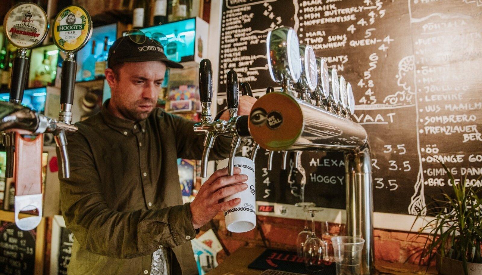 Kui isegi aprillis avatakse baarid, ei tohi seal pärast kella 22t ikka alkoholi müüa..