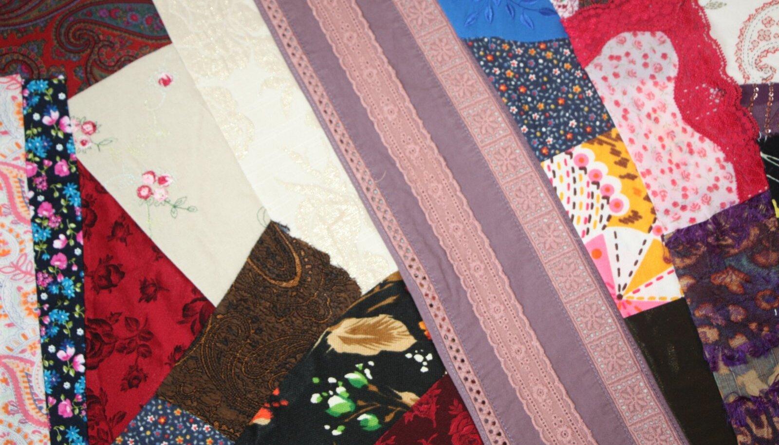 Omavahel võib sobitada erinevaid kangatükke.