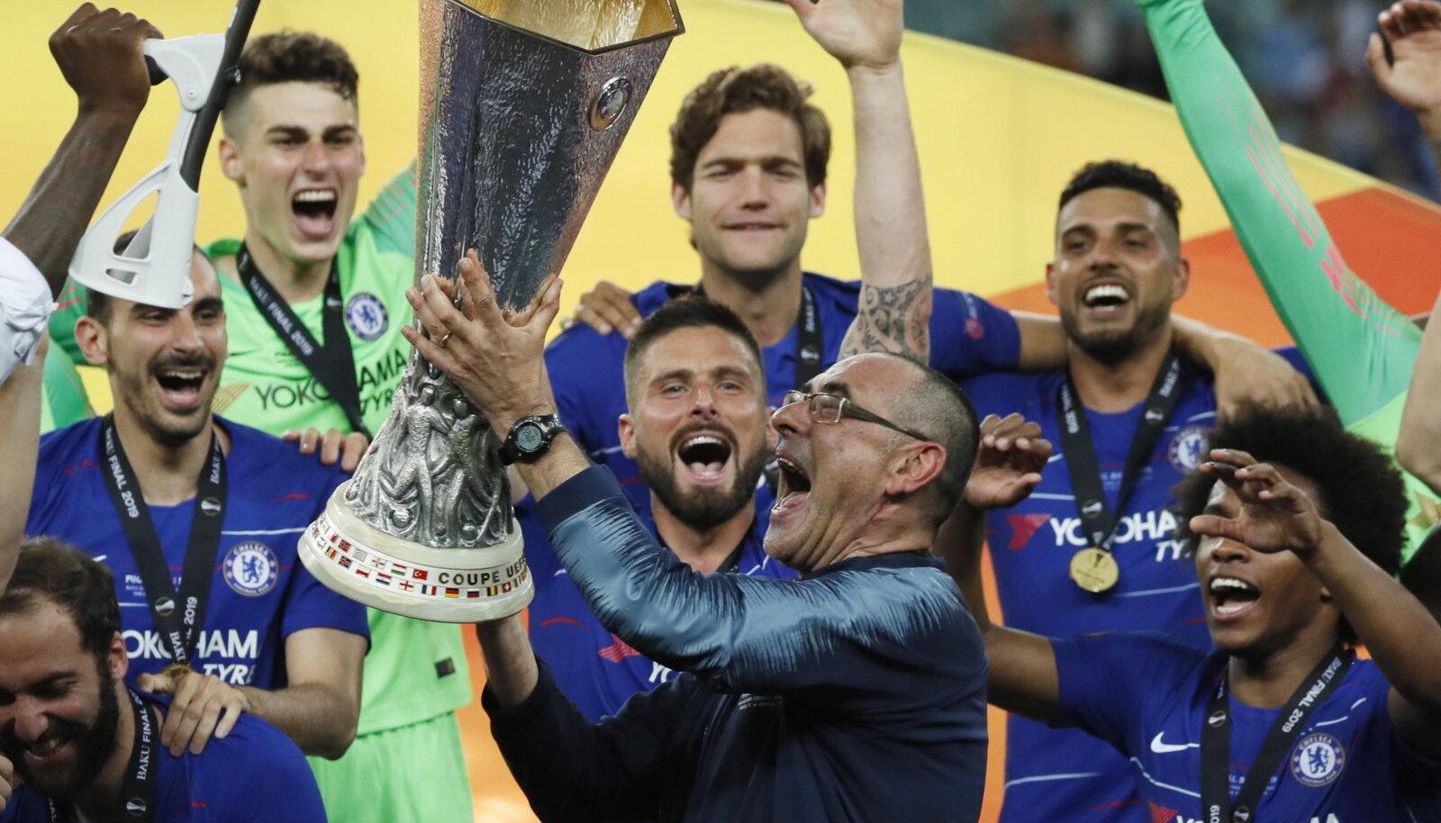 Maurizio Sarri Euroopa liiga karikaga