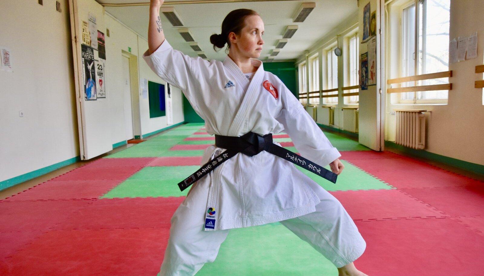 Musta vööga karateõpetaja!