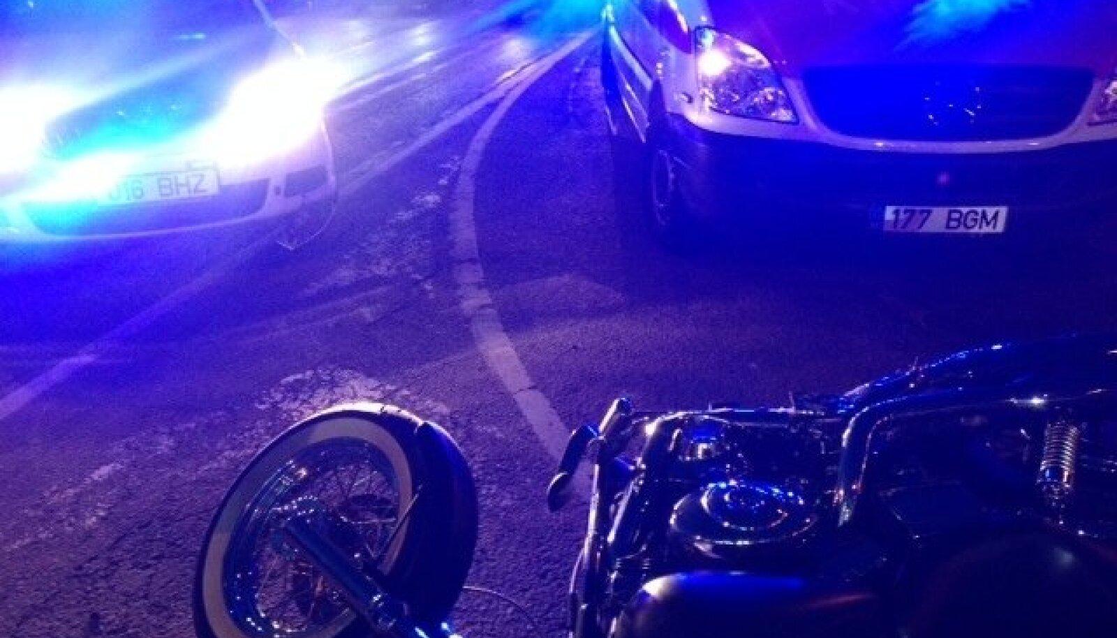 Politseiauto tegi avarii