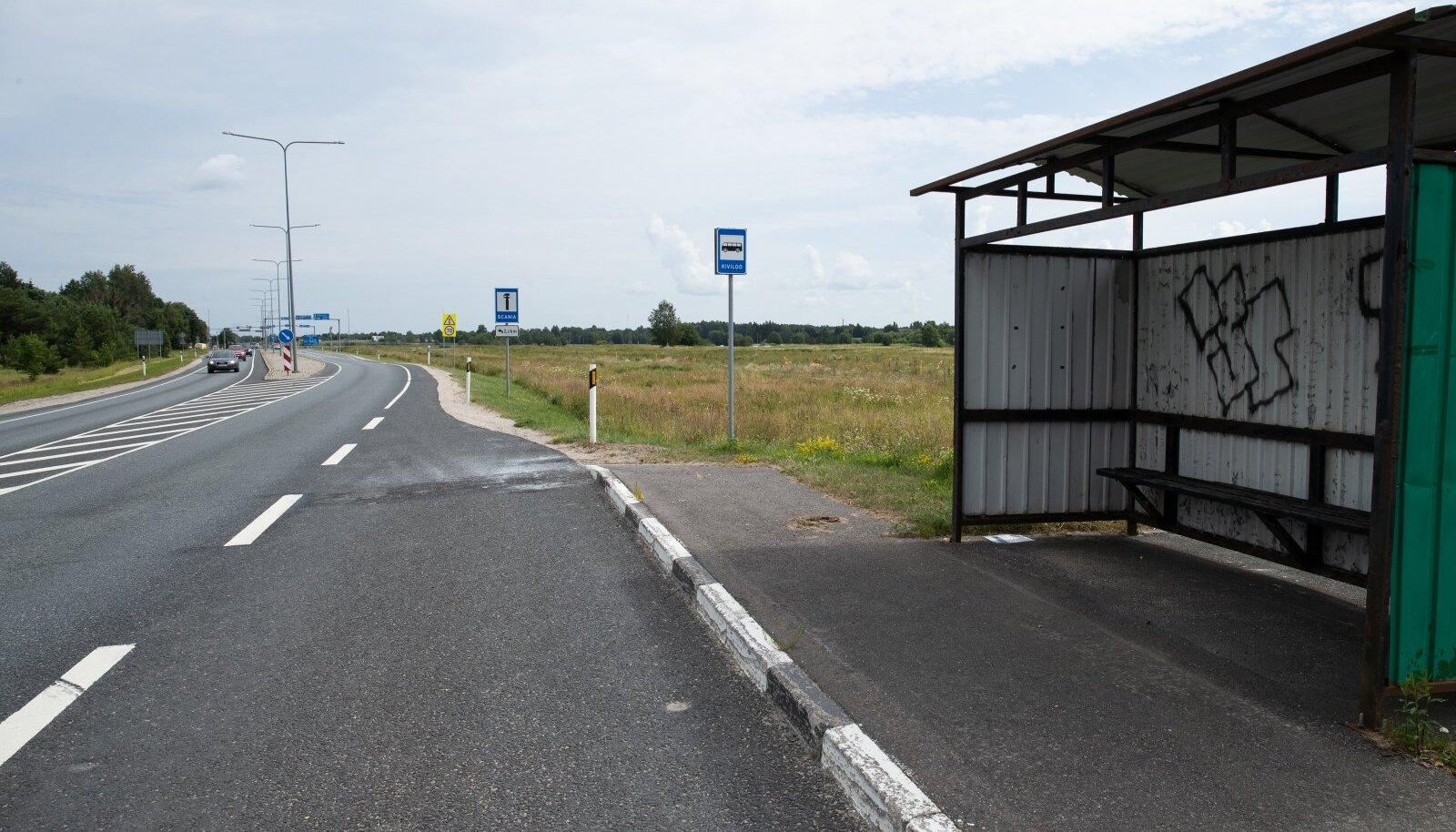 Maakonnaliinidel tasuta bussisõidu võimaluse pakkumine on isikliku auto kasutamist vaid suurendanud.