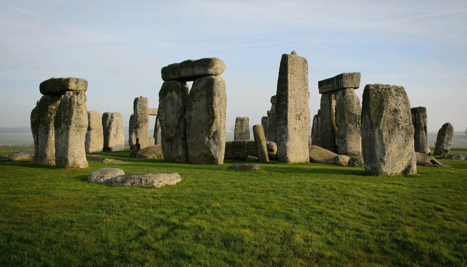 4500 aastat tagasi ehitatud Stonehenge on Briti maausuliste jaoks peamine paik, kus suvist pööripäeva tähistada.