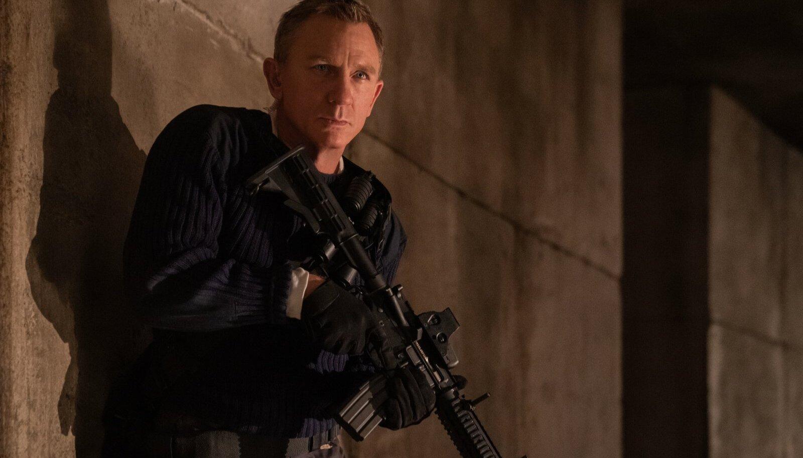 Daniel Craig annab endast luigelaulus kõik: varasemas neljas Bondi-filmis ei olnud ta nii tundeline, haavatav ega ka nii humoorikas ja vaba.