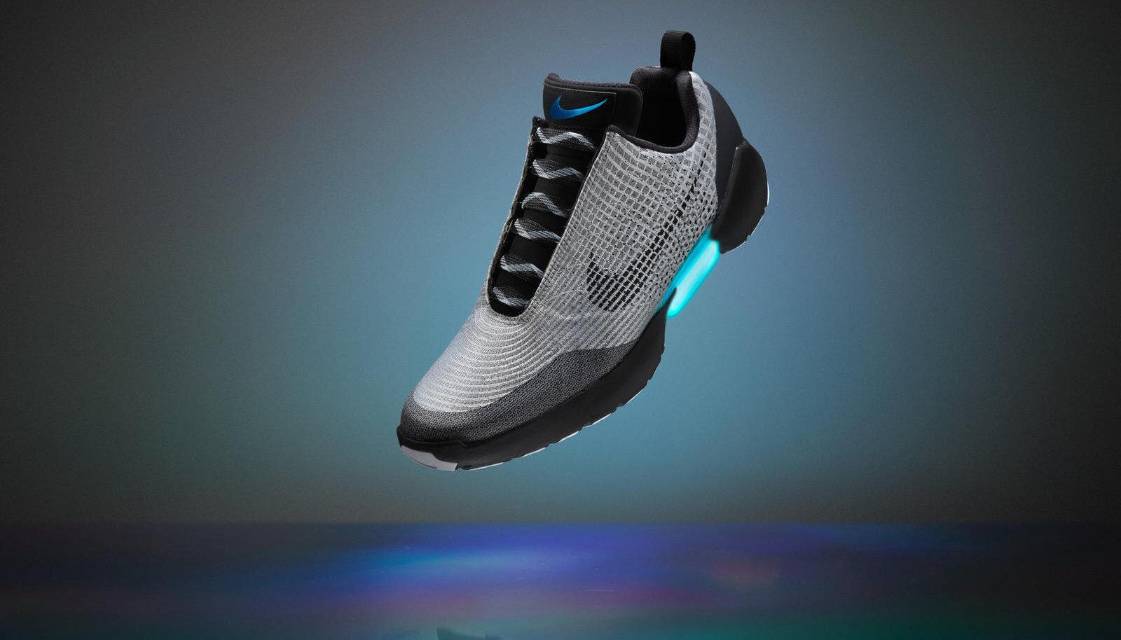Praeguseni müügil olevad Nike HyperAdapt tossud, mille hind on 720 dollarit paari eest