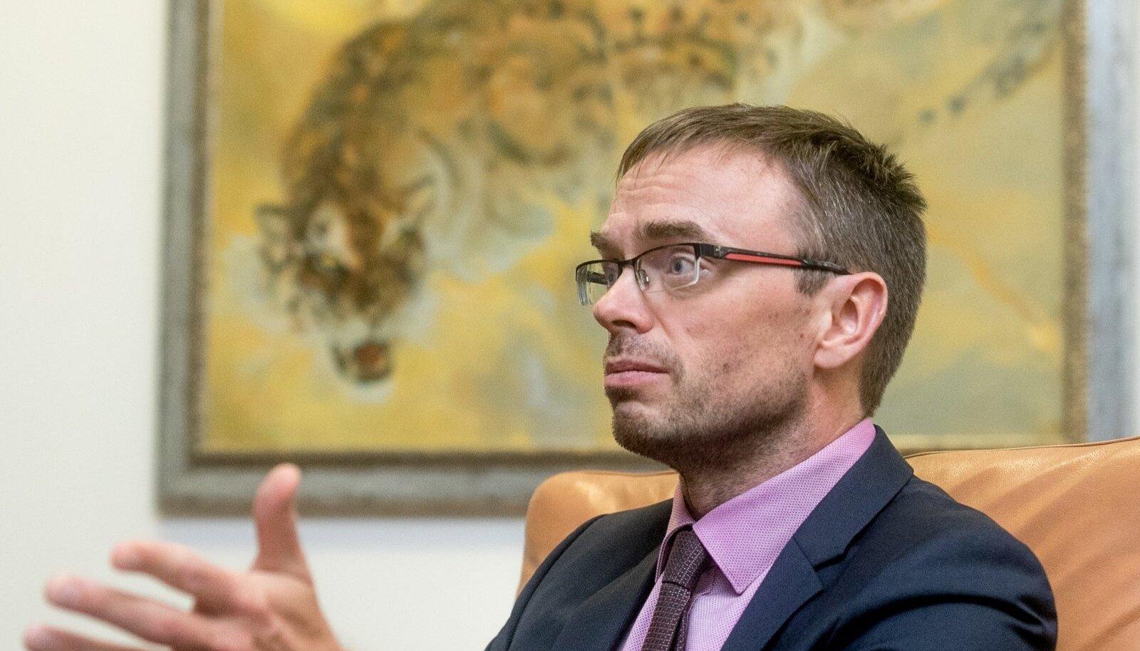 """""""HEA"""" SÜNNIPÄEVAKINGITUS: Eile sajandat aastapäeva tähistanud valitsusele kinkisid Sven Mikser ja Urmas Reinsalu kriisi."""