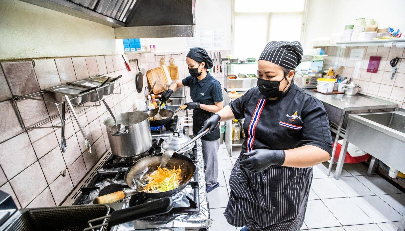 Kõik New Thai restorani kokad on pärit Tai kuningriigist.