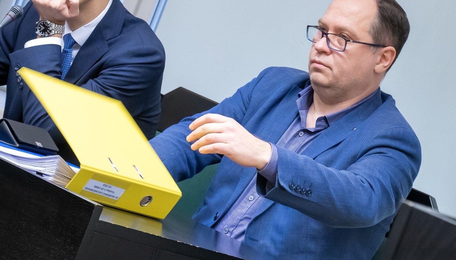 JAMAS PANKROTIHALDUR: riigiprokuratuur kahtlustab Vjatšeslav Leedot altkäemaksu lubamisespankrotihaldur Veli Kraavile (pildil). Jutt käib 30 000 eurost.