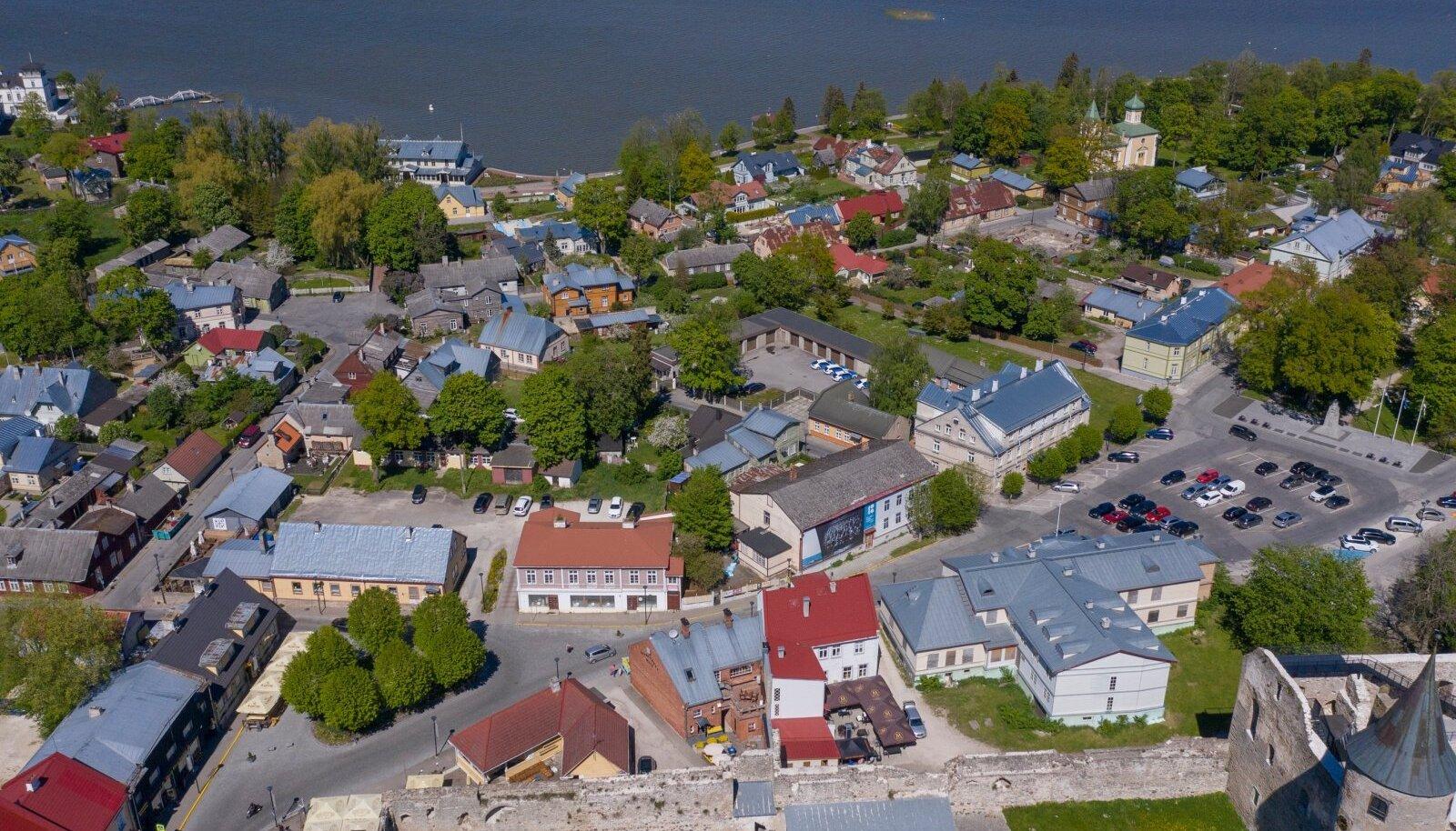 Rahuloluuuringus esikohal asub Muhu vald, esikümnes on Hiiumaa vald ja mõni koht tagapool pildil kujutatud Haapsalu linn.
