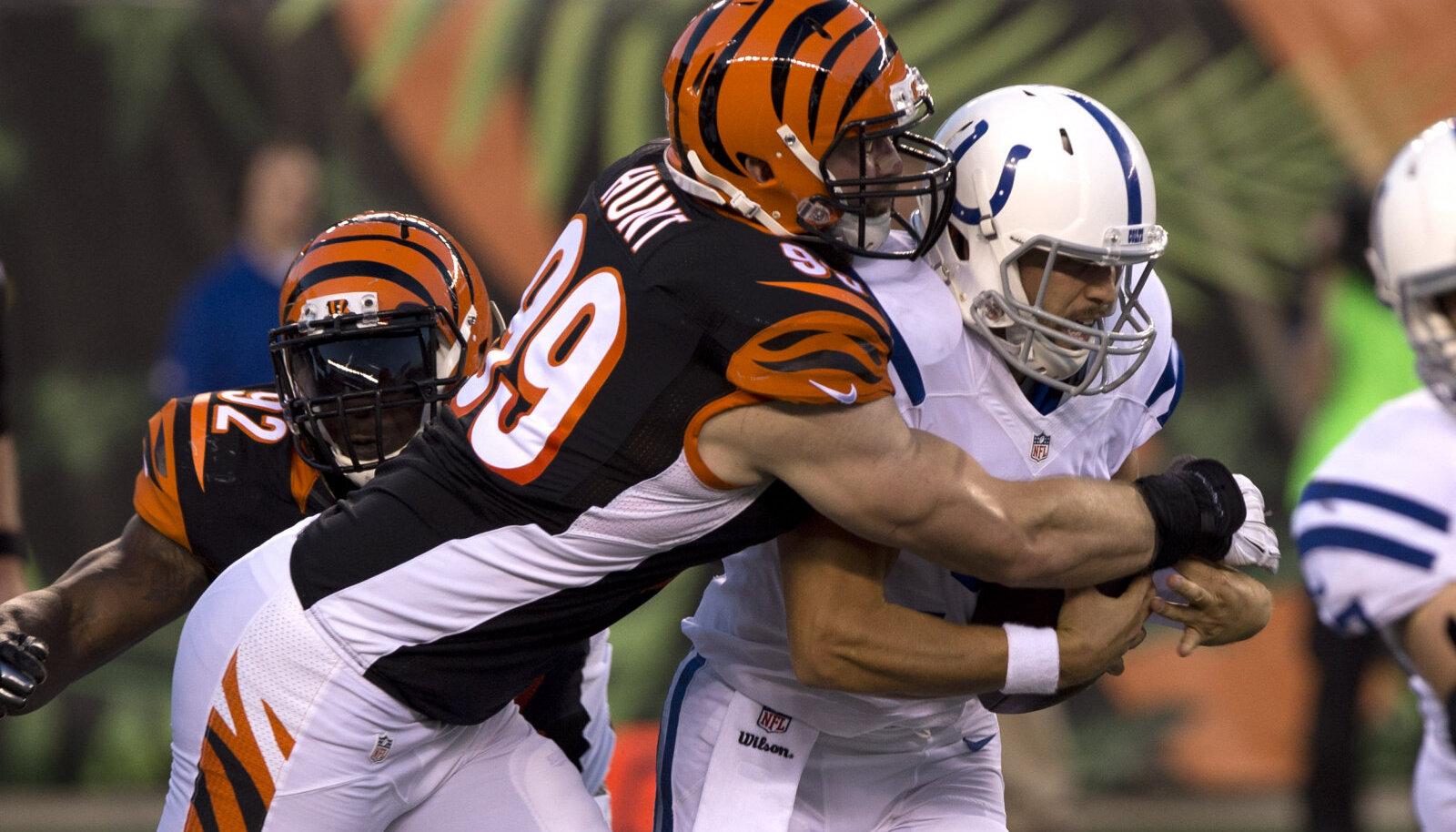 Margus Hunt (vasakul) 2014. aastal Cincinnati Bengalsi ridades.