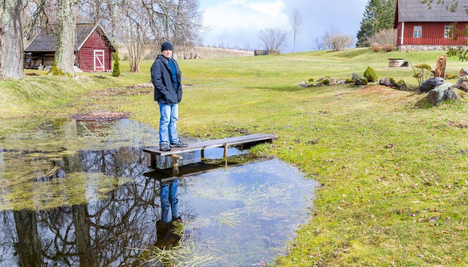 Ennast hingelt maainimeseks pidav Rauno Rätsepp kurvastab, et riik läheb Tallinna suunas.