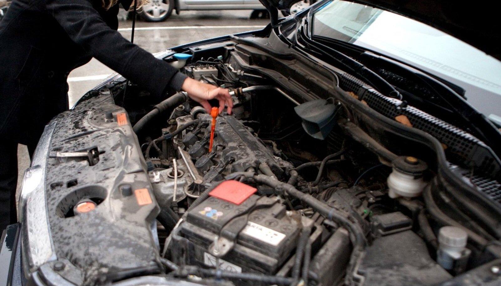Mootoriõli taseme kontroll