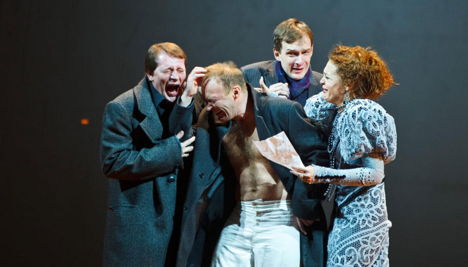 """Jevgeni Martšelli lavastus """"Nimetu"""" pälvis tänavu parima draamalavastuse kategoorias Venemaa kõrgeima teatripreemia."""