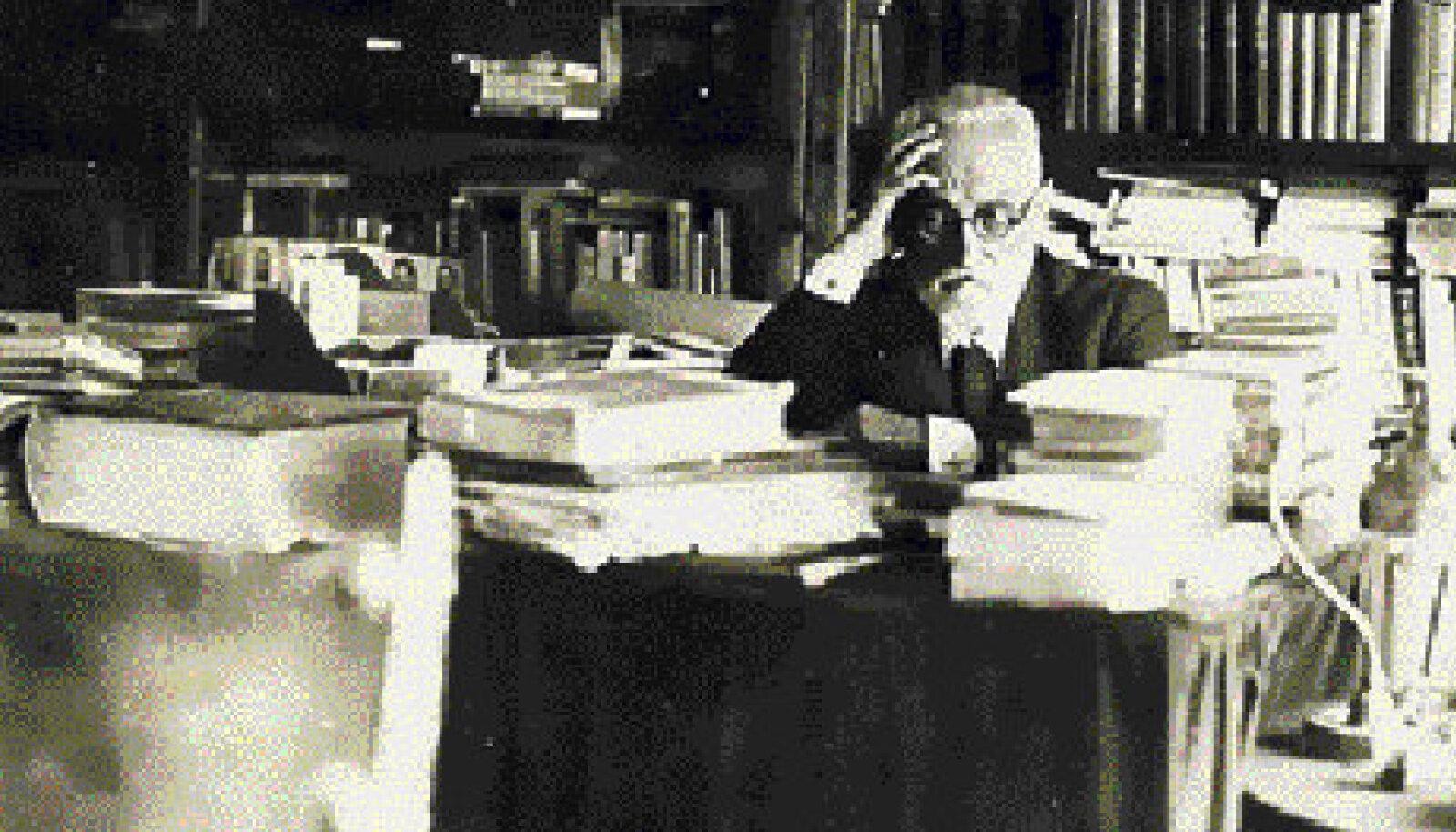 """Miguel de Unamuno võtmeteos, nivola """"Udu"""" (""""Niebla"""") ilmus esmakordselt 1914. aastal."""