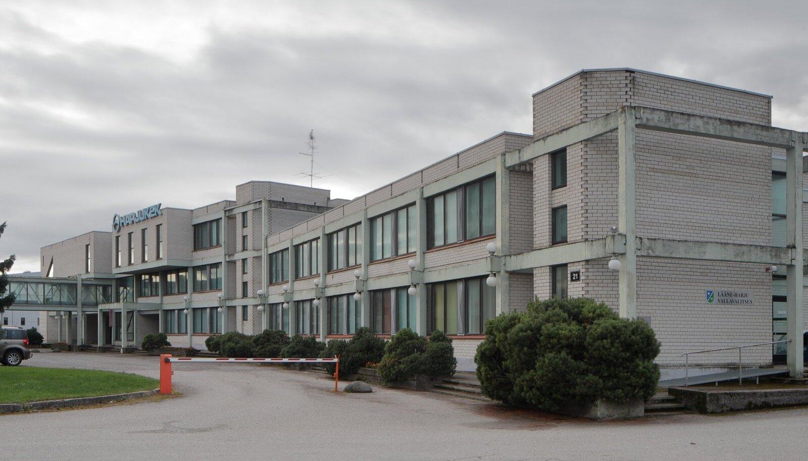 Ain Padriku ja Rein Tominga kavandatud Harju KEKi tehnotalituse hoone Keilas, mis 1985. aastal tunnistati parimaks ehitiseks, ootab nüüd lammutamist.