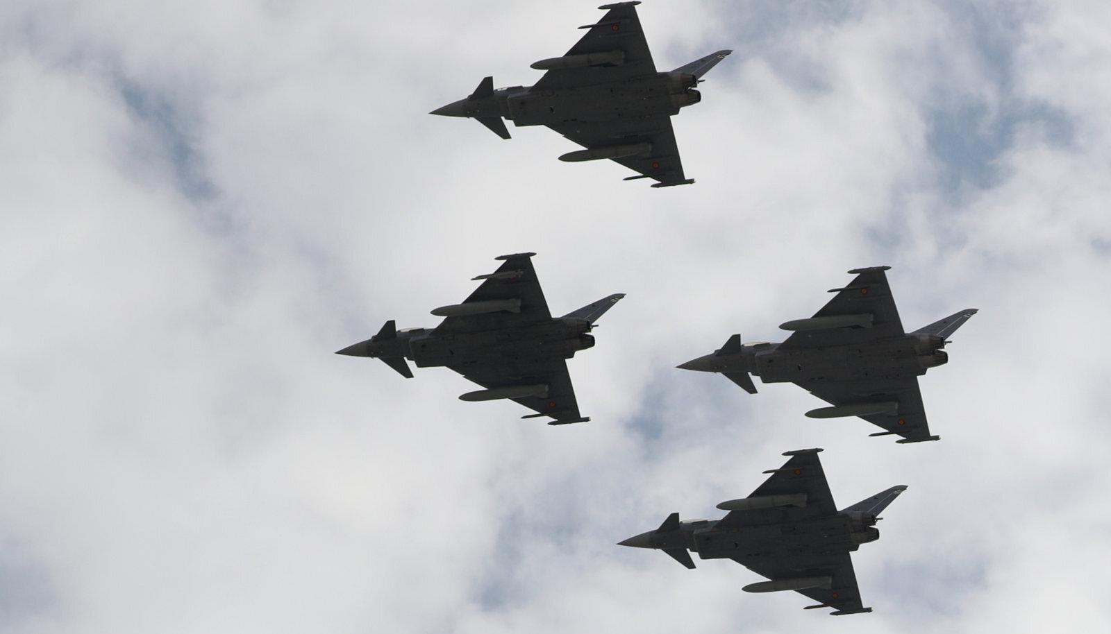 Eurofighterid paraadlennul Hispaanias.