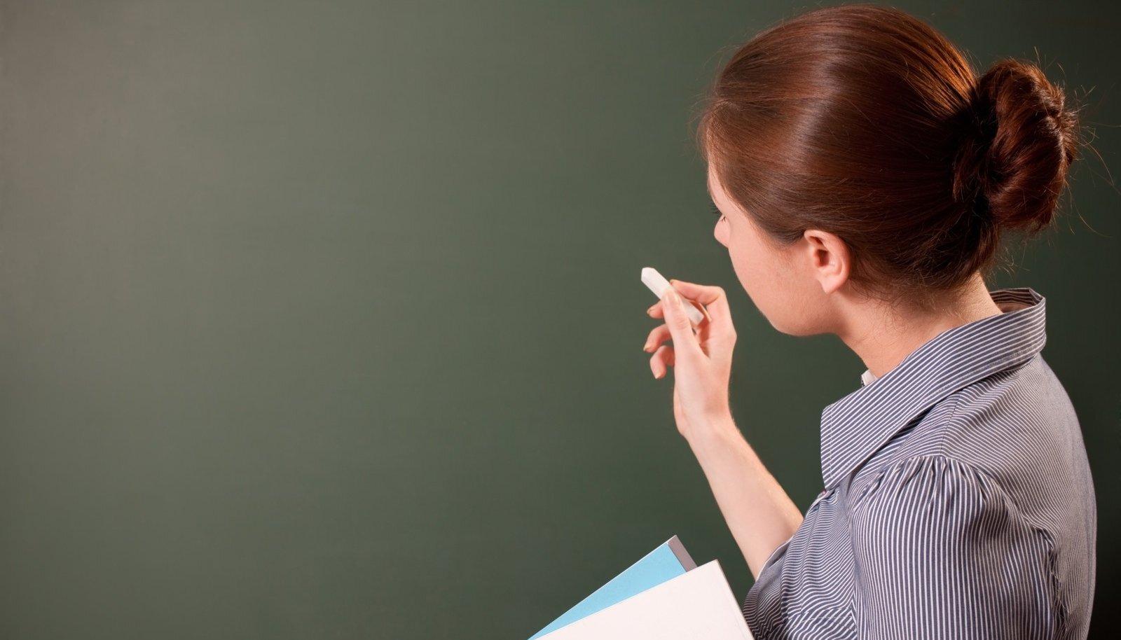 Osa vene õpilasi valib pärast üheksanda klassi lõpetamist kutsekooli mitte niivõrd soovist ametit omandada, kuivõrd hirmust, et gümnaasiumis ei saa nad eestikeelse õppe tõttu hakkama.