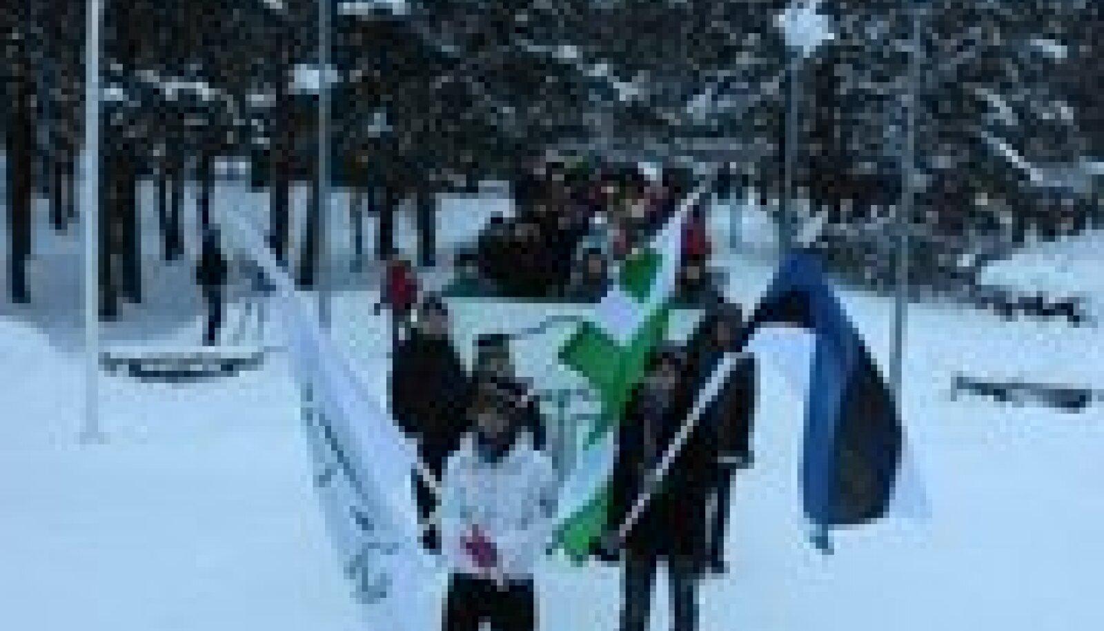 Esimest korda 75 aasta jooksul korraldati ajalooline rongkäik Nõmme keskusest Rahumäe kooli juurde. See kordas 3. detsembril 1935 toimunud rongkäiku. (foto: Jukko Nooni)