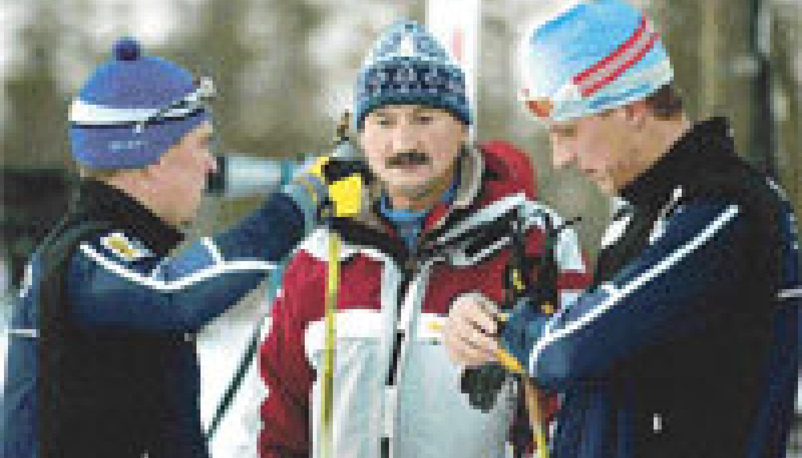 Anatoli Hovantsev (keskel) võib oma hoolealustega hüvasti jätta.
