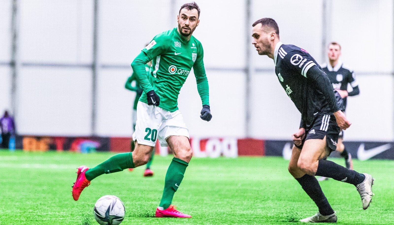 Sergei Zenjov (nr 20) on ilmselt nimekaim mängumees, kes sel talvel Eesti liigasse naasis. Viimaste aastate värbamisstrateegiat arvestades on igati loogiline, et ta maandus FC Floras.
