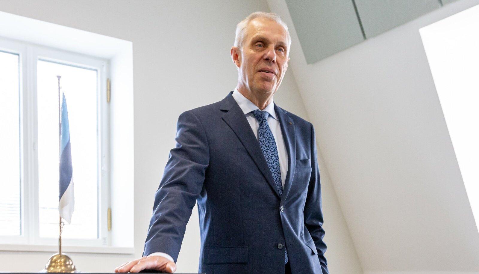 Kohtunik Rubo Kikerpill põhjendas Mikk Tarrastele eluaegse vangistuse mõistmata jätmist faktiga, et Lihula mõrtsukas pole varem vanglas istunud retsidivist.