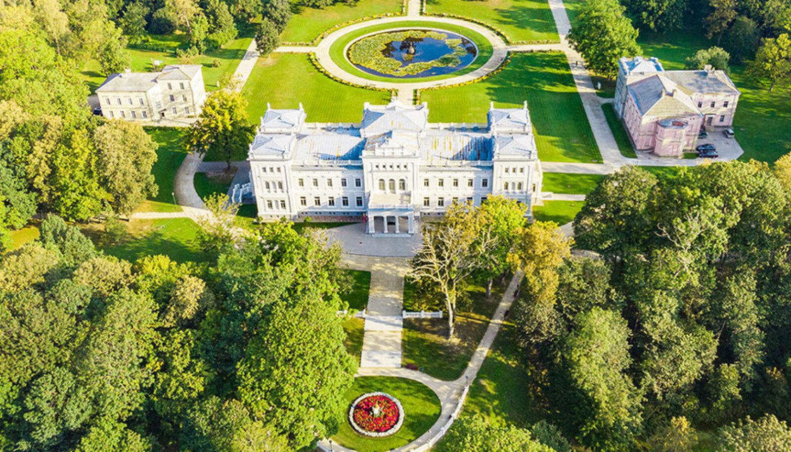 Leedu Versailles — Plungė mõisa aed