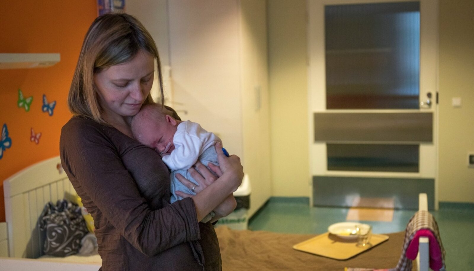 Esimesel jõulupühal sündinud Kaspari ema Mariliisi haiglas olemise eest sai Tallinna lastehaigla uuest aastast viiendiku võrra vähem raha kui poisipõnni sündimise päeval.