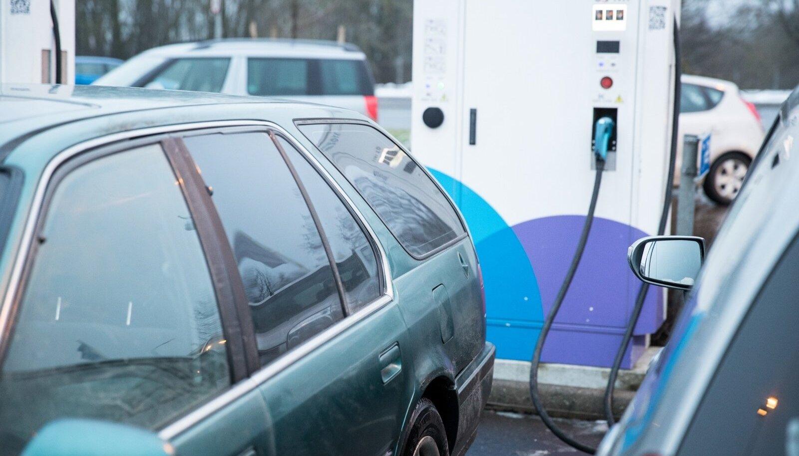 Elektriautod trügivad sisepõlemismootori kõrvale