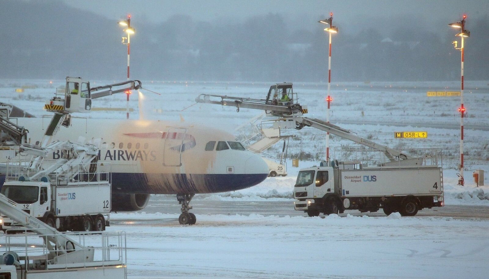 Lumi eile Düsseldorfi lennujaamas