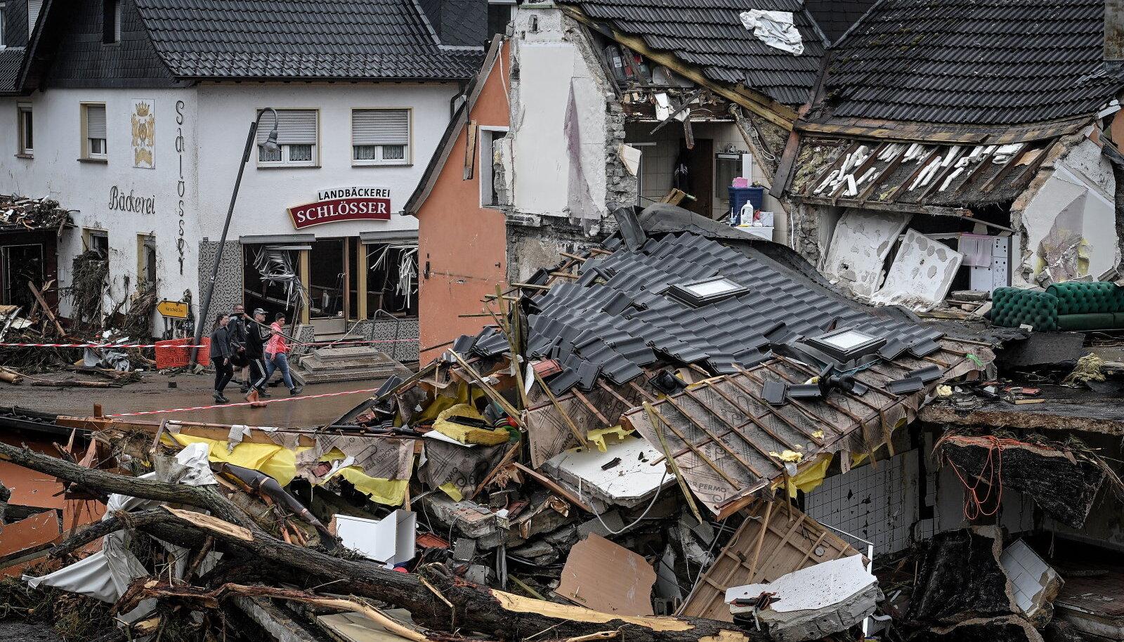 Üleujutused jättis paljud inimesed kodudeta.