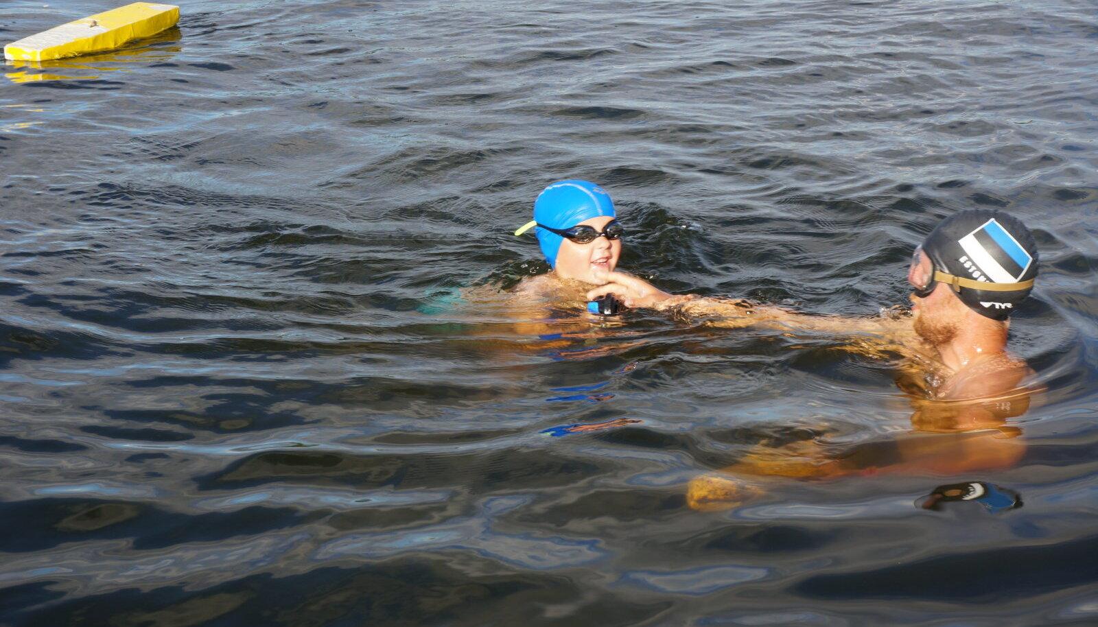 Tallinna Ülikooli õppejõud Vladimir Kunitsõn sukeldumist õpetamas