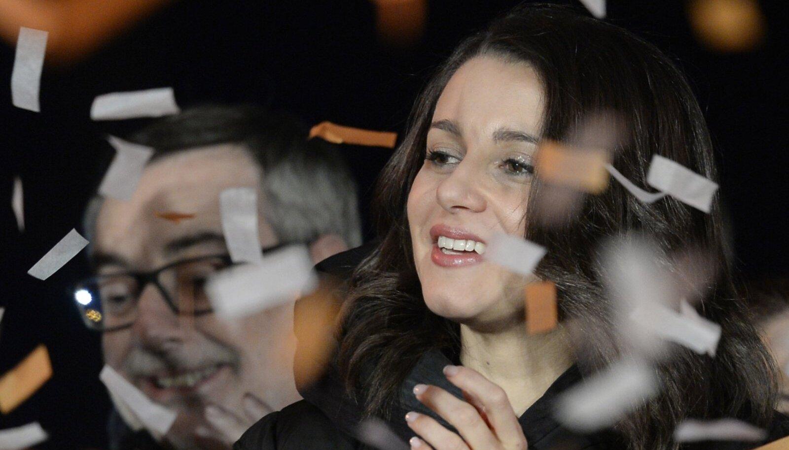 Ciudadanose kandidaat Ines Arrimadas tähistab partei edukaid tulemusi. (Foto: AFP)