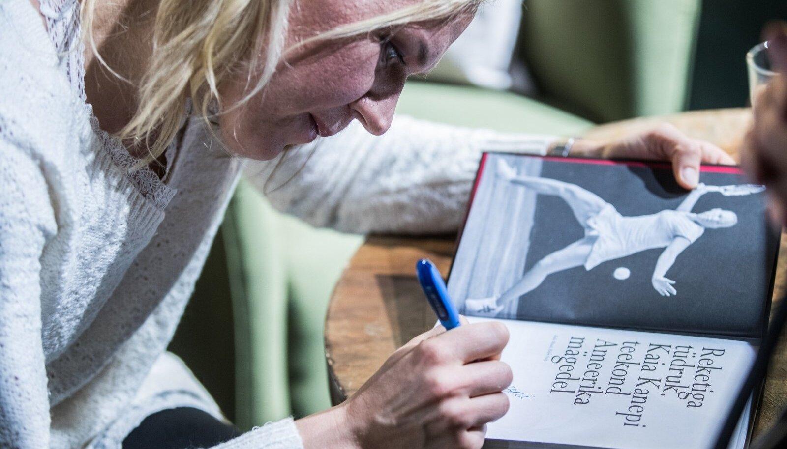 Kaia Kanepi avameelne raamat sai 2017. aasta menukiks.