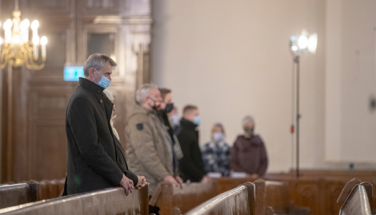 Jumalateenistustel peab kandma maski ja kokku tohib tulla vaid pool sellest hulgast, kes kirikusse mahub.
