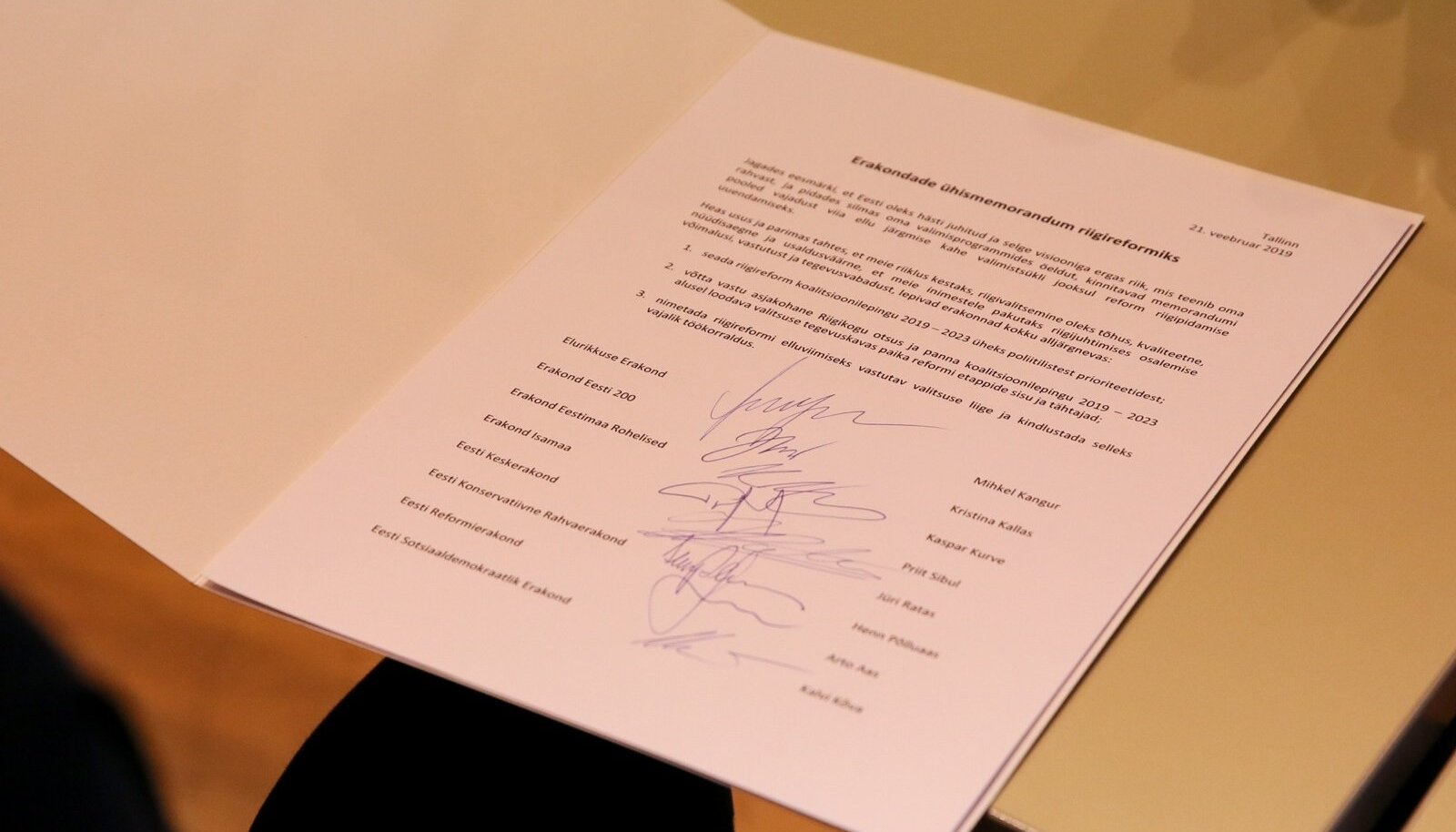 Riigireformi memorandumi allkirjastamine