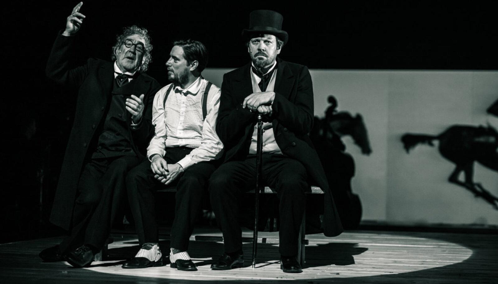 Draamateatris mängivad Lehmani vendi Mait Malmsten, Guido Kangur ja Priit Võigemast