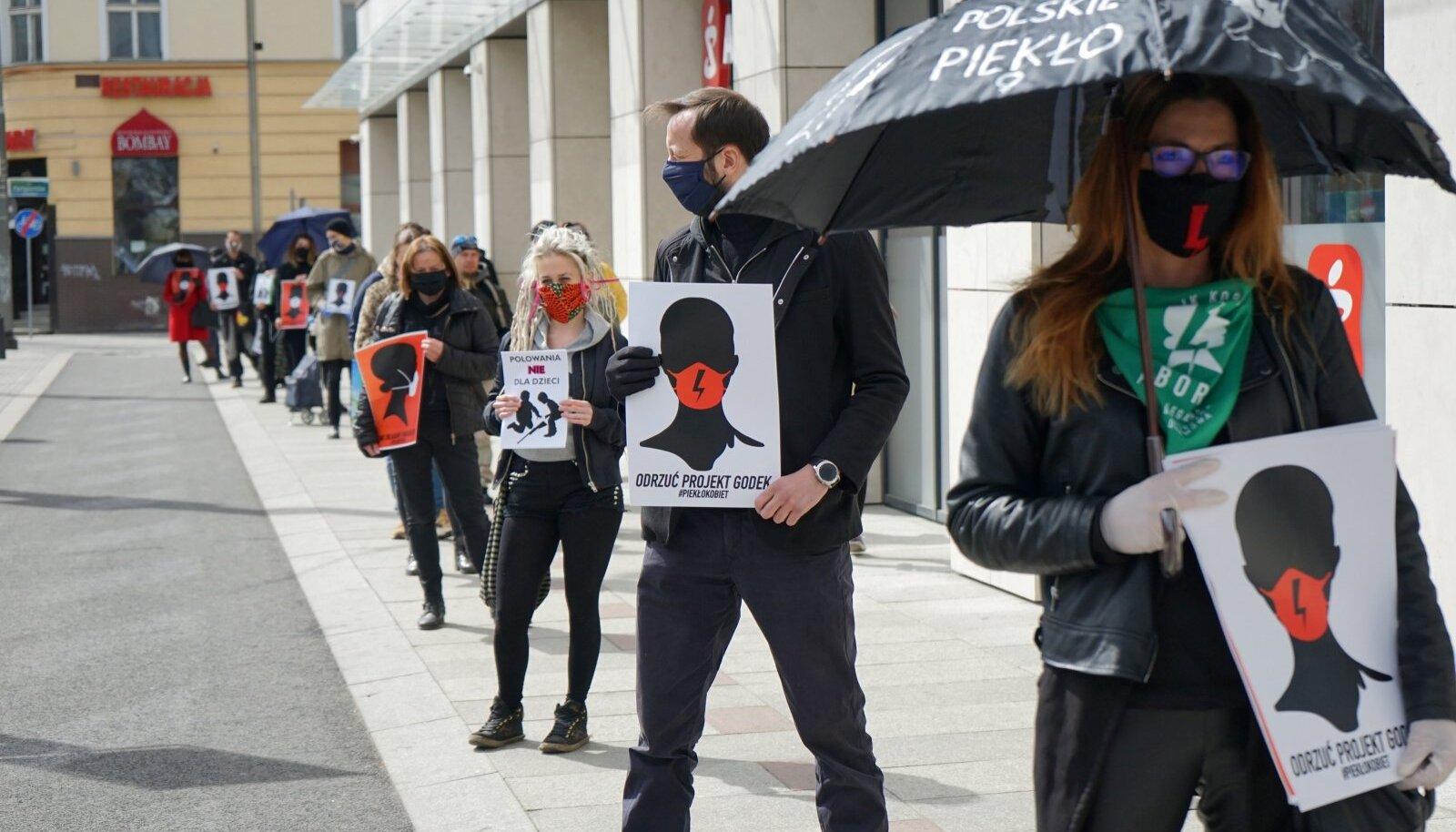 Abordireeglite karmistamise vastased meeleavaldajad eile Poolas Szczecini linnas
