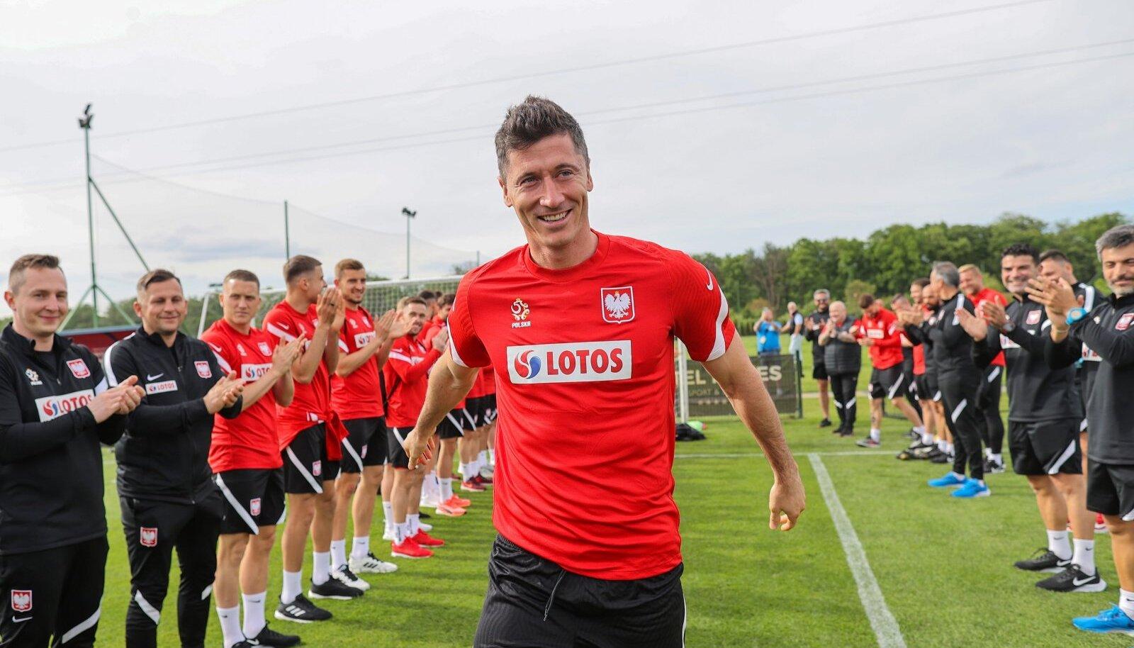 Poola koondises keerleb kõik ümber Robert Lewandowski. Alates eelmisest aastast peetakse teda laialdaselt maailma parimaks jalgpalluriks.