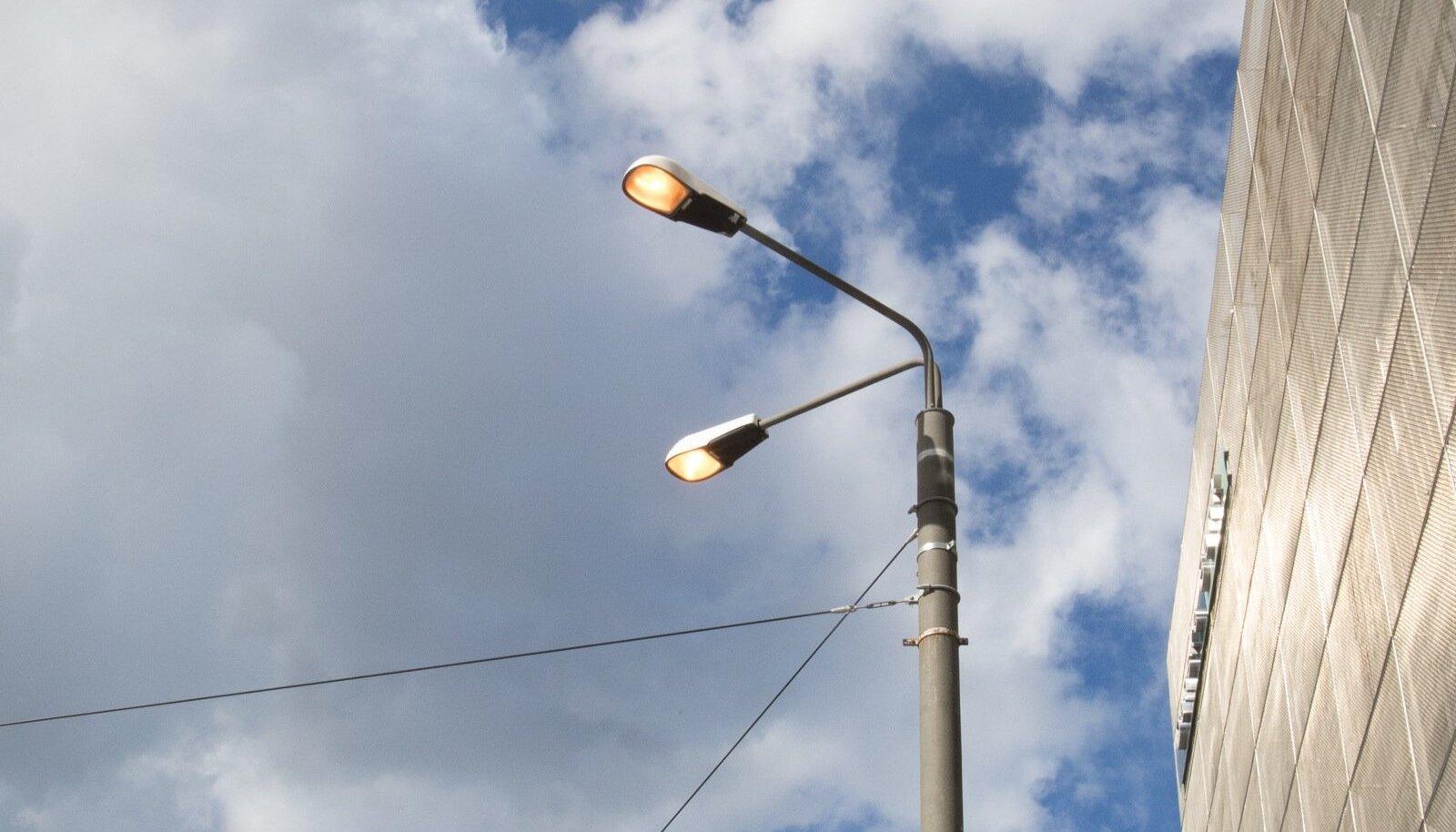 Narva maantee valgustus