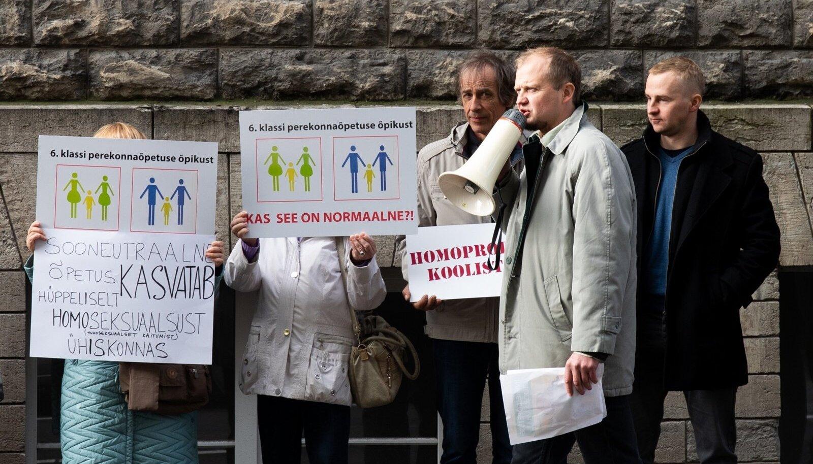 Meeleavaldus homopropaganda vastu koolides