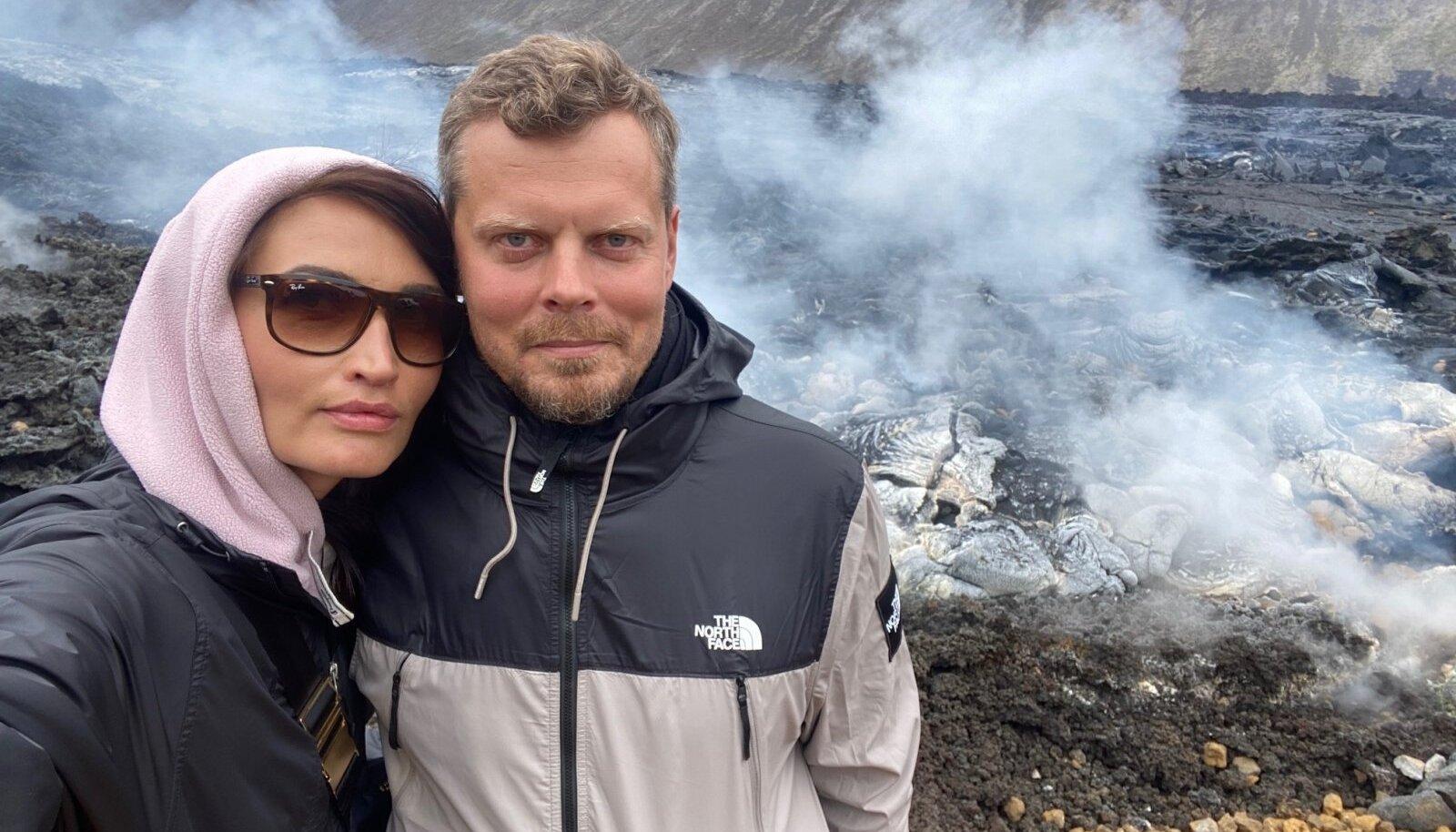 MAA ALL PULBITSEB Geldingadalur on Islandi kõige värskem aktiivne vulkaan, mis kohalike sõnul ei oleks üldse tohtinud purskama hakata. Susan ja Taavi kogesid maa alt tulevat kuumust ja väävlihaisu omal nahal.