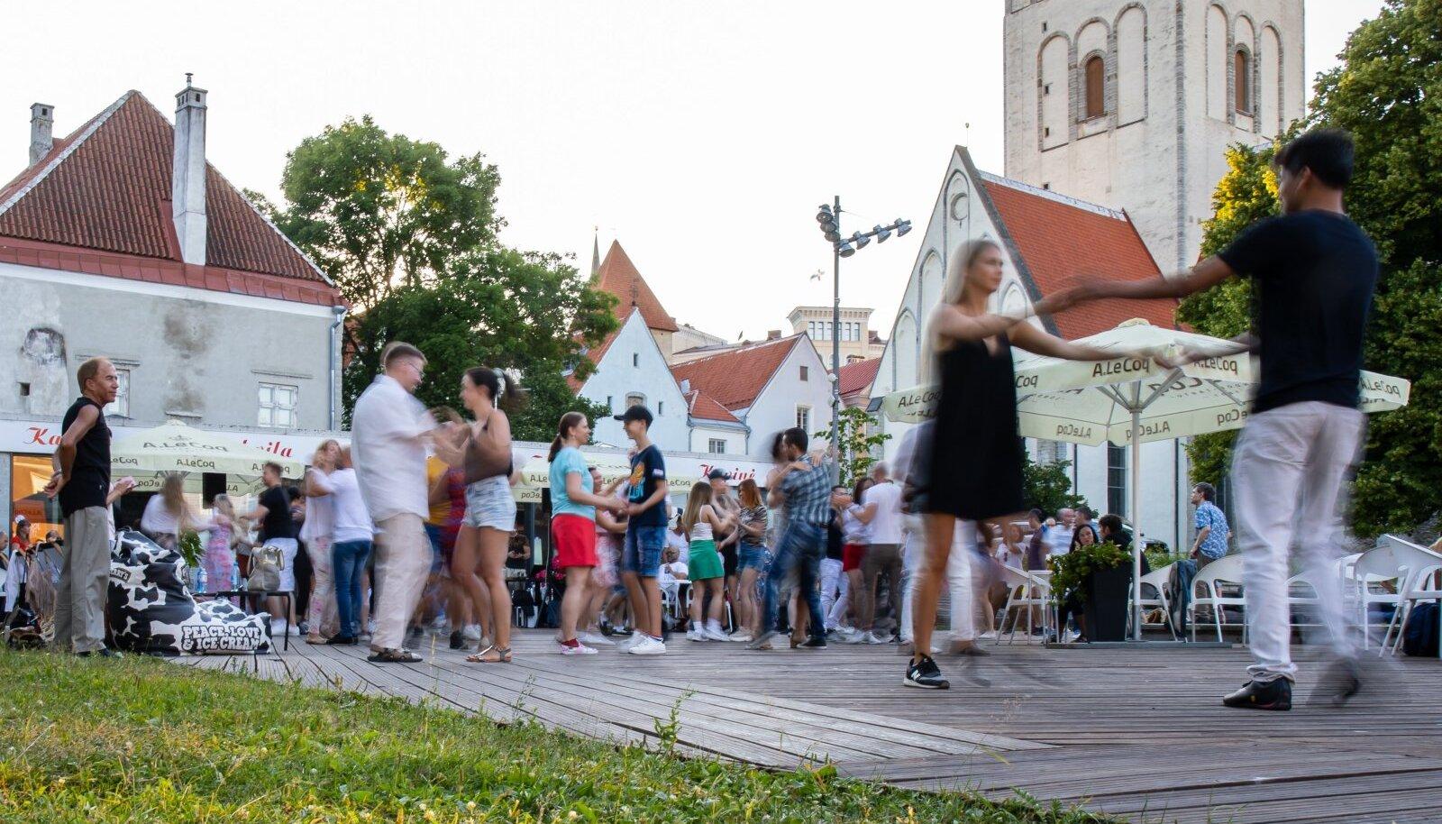 TerrassiSalsa Uisuväljaku kohvikus 04.07.2021