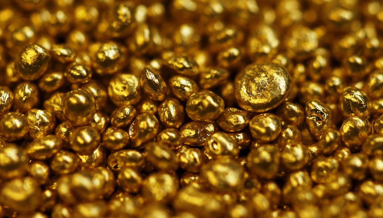 Kullagraanulid Šveitsis Balernas asuvas kulla refineerimistehases.