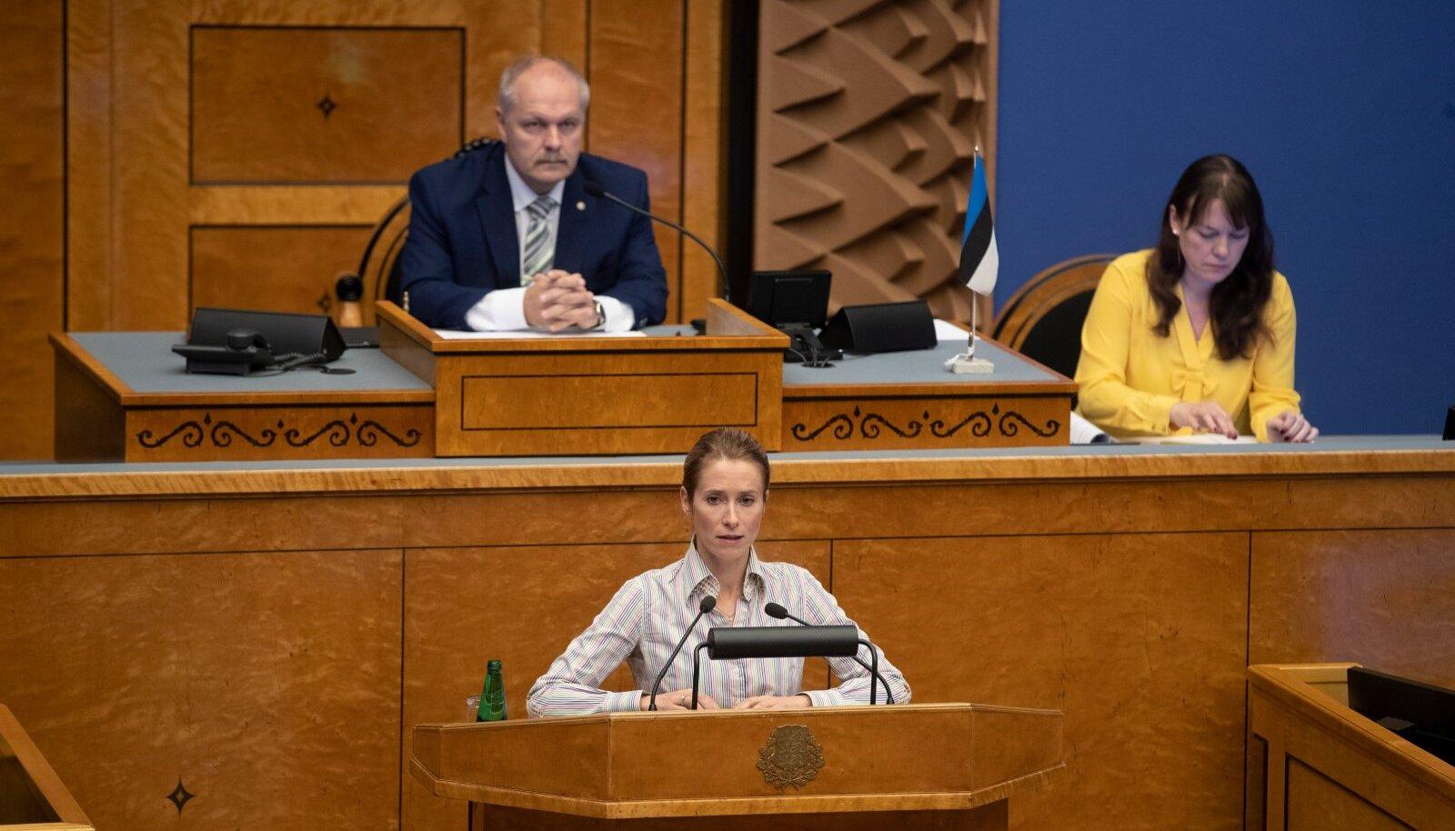 """""""Väikse sammuga, aga jõudsalt autoritaarse riigi poole,"""" kirjeldas Kaja Kallas riigikogu esimehe stiili. Põlluaas ei pea kriitikat enda kohta põhjendatuks."""