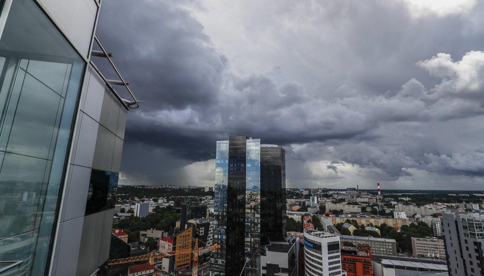 Vihm jõuab Tallinna