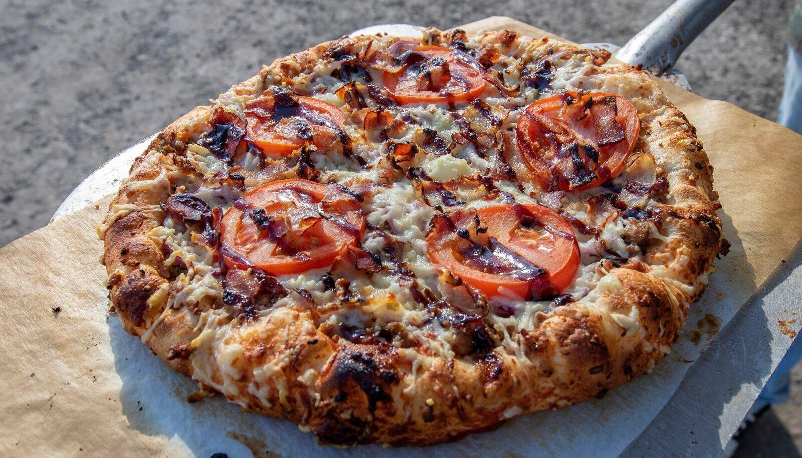 Burgeripealinn Assamalla, Lääne-Virumaa, Burgeripealinn Assamalla, Lääne-Virumaa, Assmalla Grill, Assa Pitsa, pitsa